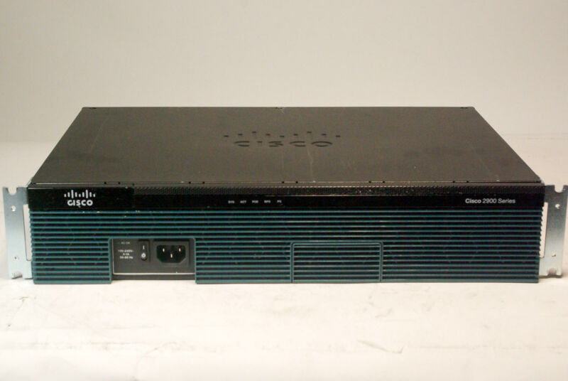 Cisco 2900 Series CISCO2911/K9 Switch w/ NME-UMG Module