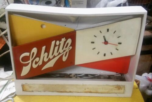 vintage Schlitz beer lighted countertop clock sign