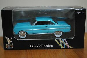 Blue 1963 FORD Falcon Yat Ming Road Signature 1:64 Collection US Classic Car