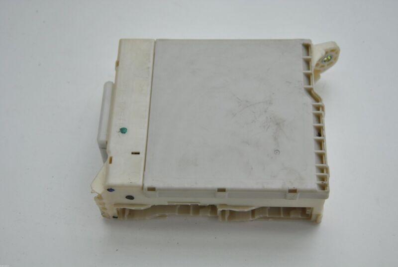 LEXUS GS 450h 2010 RHD FRONT LEFT SIDE JUNCTION BLOCK FUSE BOX 82730-30281