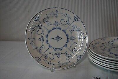 C206  Ensemble de différentes assiettes
