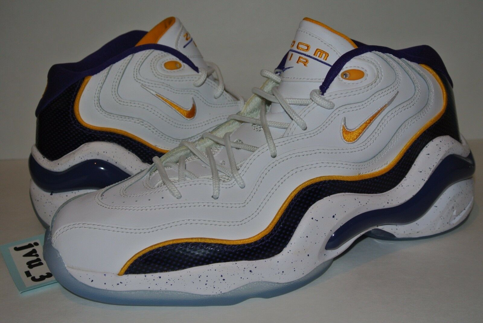42d0a9130c0a3 UPC 884726959954 product image for Ds Nike Air Zoom Flight 96 Size 10 Kobe  Bryant Lakers