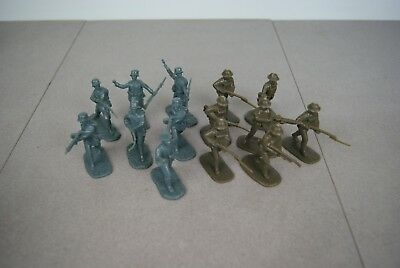 14 Armies in Plastic WWI German Infantry with Stahlheim Helmets and US Doughboys
