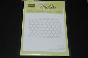 Stampin Up! Sizzix Textured Impressions Honeycomb Embossing Folder