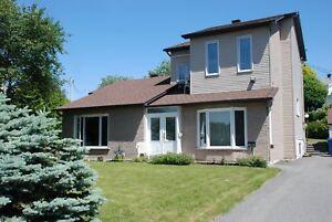 Maison - à vendre - Mont-Saint-Hilaire - 13214681