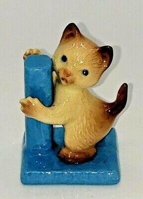 Hagen Renaker miniature figure, NEW, Cat (textured), w/scratching post, uncarded