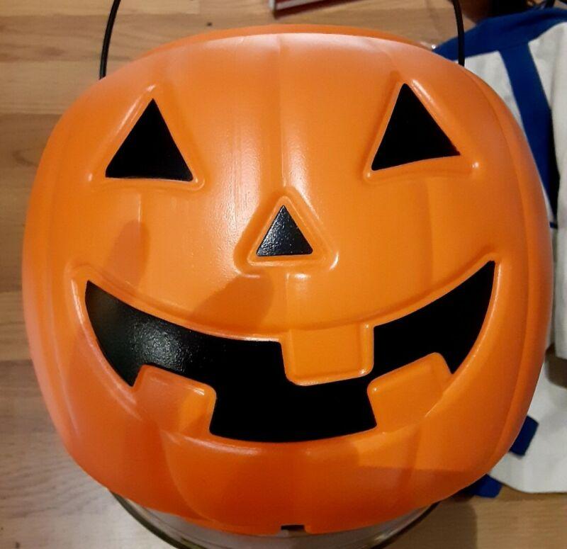 Halloween Pumpkin Trick or Treat Candy Bucket Pail Plastic Blow Mold 8 inch new
