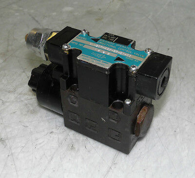 Nachi Solenoid Operated Directional Valve, SL-G01-A3X-GR-C1-10, 100V Coil, Used