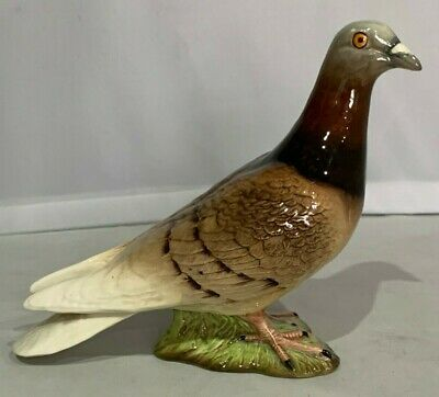 PRISTINE Beswick Gloss Finish Pigeon Figure Model no.1383  Superb Example