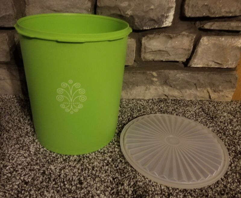 VINTAGE TUPPERWARE GREEN STORAGE CONTAINER w/ LID - Lg Sz ExCd #805-7