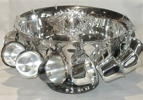 Oneida Castle Court Silverplate Punch Bowl Set with 12 Cups