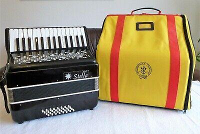 Schönes Anfänger-Akkordeon Schüler-Akkordeon Zweit-Akkordeon 32 Bass + Rucksack gebraucht kaufen  Bochum