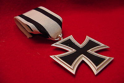 GERMAN IMPERIAL / PRUSSIAN WWI MEDAL -  IRON CROSS 2nd CLASS FOR NONCOMBATANTS