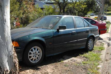 BMW E36 6/1996 318i Green Sedan (PARTS ONLY)