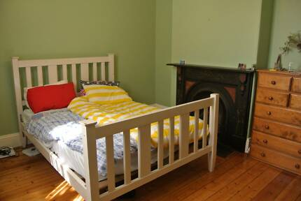 Large Room Available for Short-Term Rent in Carlton (Nov-Jan) Carlton Melbourne City Preview