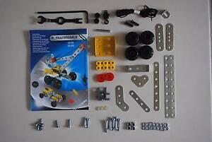 Meccano Multimodels - # 2517B Crane / Race Car Deeragun Townsville Surrounds Preview