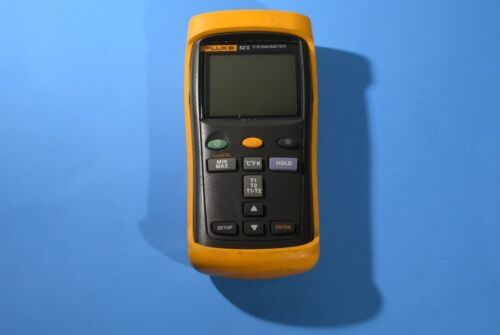 Fluke 52 II Digital Thermocouple Thermometer with Case