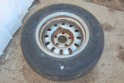 Ford 12 slot wheel chrome. Snowtown Wakefield Area Preview