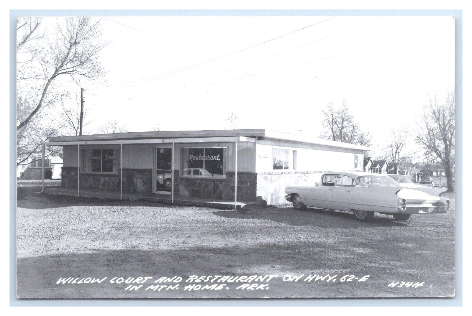 ARKANSAS MOUNTAIN HOME L.L. COOK REAL PHOTO WILLOW COURT RESTAURANT CIRCA 1958