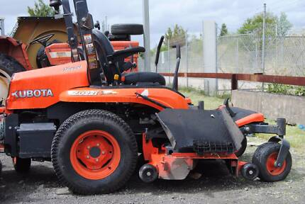 KUBOTA ZD221 ZERO TURN MOWER