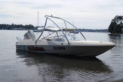 Pride Panther Ski Wake Boat - 150 HP - Wake Tower Cessnock Cessnock Area Preview