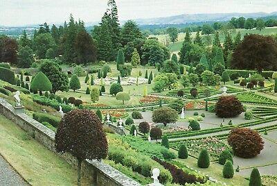 Crieff : Drummond Castle & Gardens