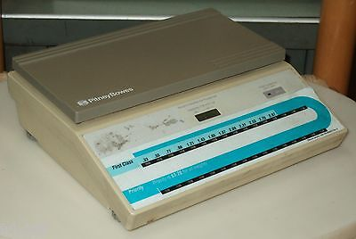 Pitney Bowes Two Pound 32 Ounce Capacity Postal Scale Model B250