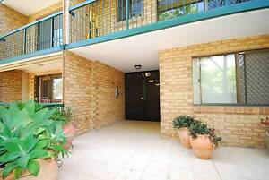 PRICE TO GO....... HUGE 127 SQM UNIT!!!!! Highgate Hill Brisbane South West Preview