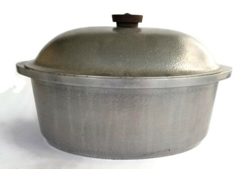 CLUB Vintage Cookware Oval Roaster Dutch Oven Hammered Aluminum