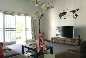 Cosy furnished double room walk to station, beach, coles, cafes Wynnum Brisbane South East Preview