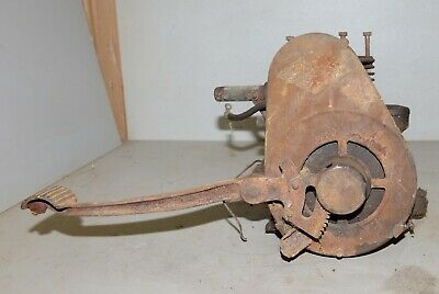 Antique Briggs Stratton Kick Start Engine Model Y Hit Miss Collectible Tool