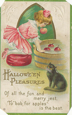 Halloween PC 1914 * Girl Apple Bobbing w. Black Cat  Embossed ](1914 Halloween)