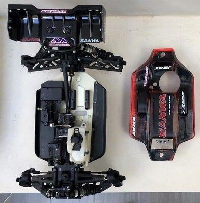 Xray xb8 17' nitro buggy 1/8 off-road r/c car kit & 2 SAVOX (1/8 Nitro Off Road Car)