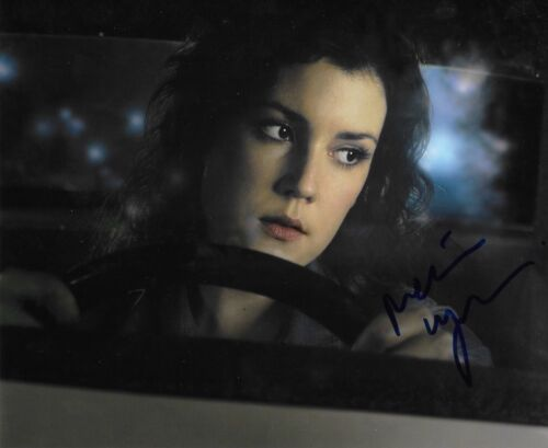 * MELANIE LYNSKEY * signed autographed 8x10 photo * I DONT FEEL AT HOME * 1