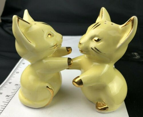 Vintage Cat Kitten Huggers Salt Pepper Yellow Gold Trim