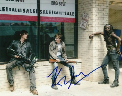 KYLE GALLNER signed (THE WALKING DEAD) TV SHOW 8X10 photo TWD *ZACH* W/COA