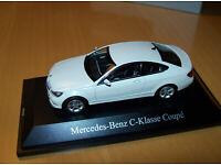 Mercedes W246 B-Klasse 2014 jupiter rot Modellauto Norev 1:43