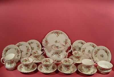 ROYAL ALBERT MOSS ROSE, 22 PIECE TEA SET, INCLUDES LARGE TEAPOT for sale  Shipping to South Africa