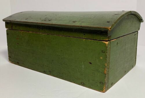 EARLY 19th Century GREEN PAINTED DOME TOP WOOD BOX Antique American Folk Art