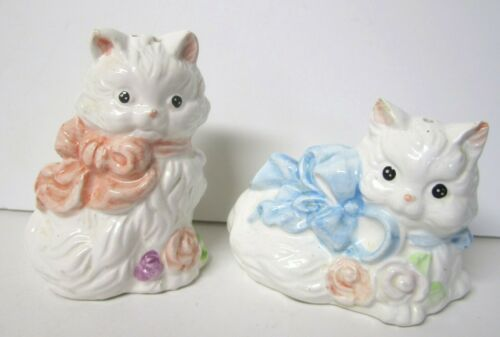 White Kitten Kitty Cat with Bows Salt and Pepper Shakers