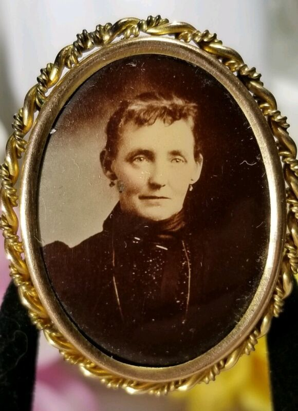 Vintage Antique Tintype Victorian Mourning Gold Scalloped Portrait C clasp Pin