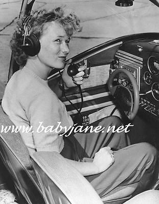 009 VERONICA LAKE CANDID IN AIRPLANE COCKPIT PHOTO