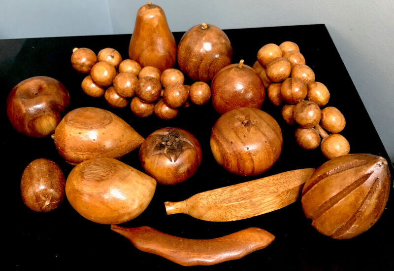 Mid Century Modern Monkey Pod Wood Fruit And Vegetables 14 Pieces Beautiful