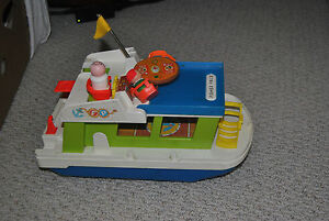 VINTAGE FISHER PRICE HAPPY HOUSEBOAT