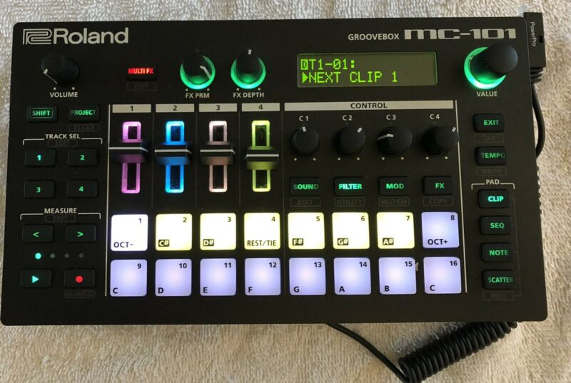 Roland MC101 4 Tracks Groovebox Compact Music Production Workstation Floorsample