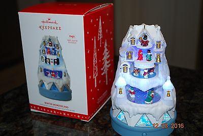 Wonderland Magic Light Sound Motion Xmas Keepsake Ornament (Winter Wonderland Ornamente)