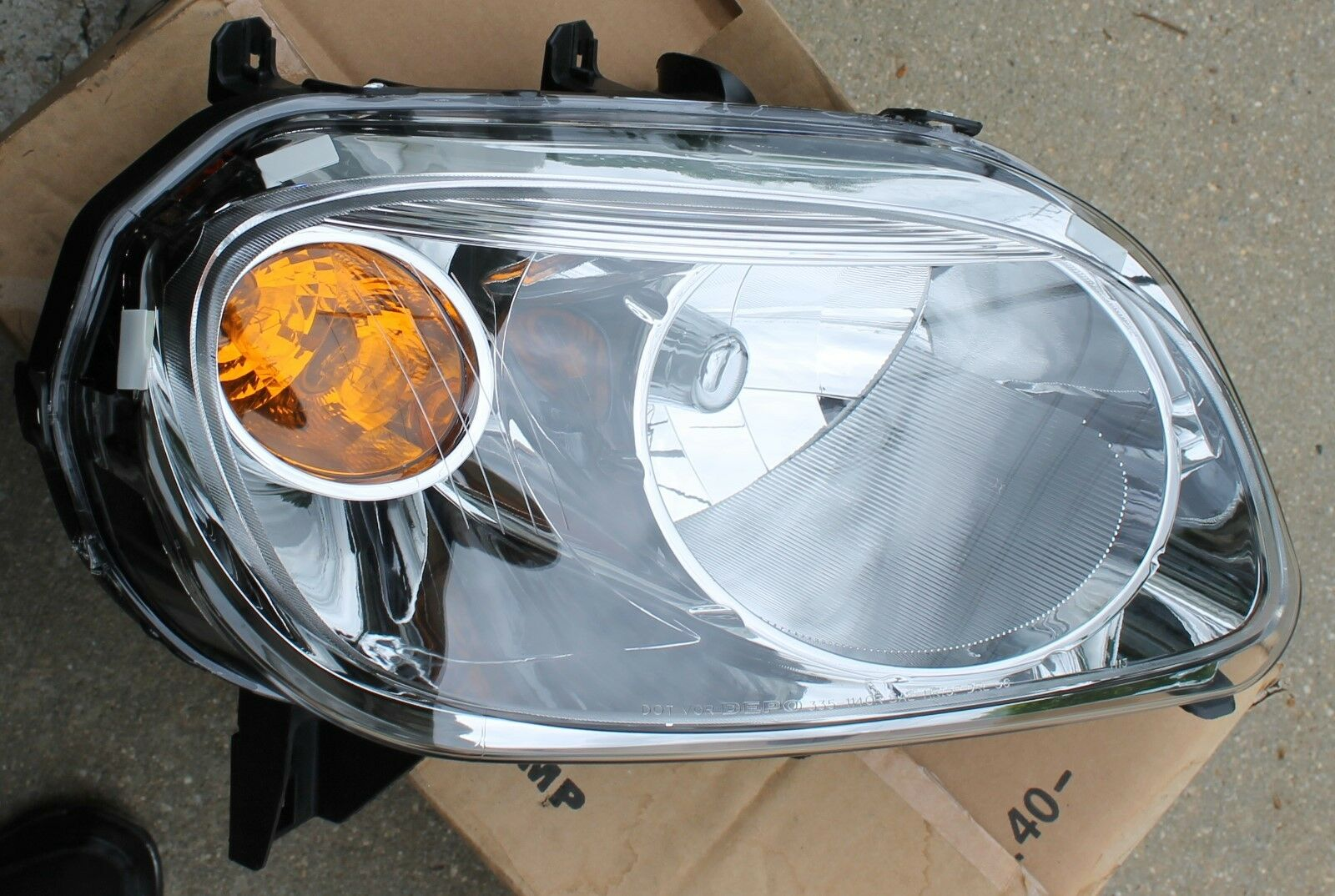 06 07 08 09 2010 2011 CHEVROLET HHR OEM PASSENGER RIGHT SIDE HEADLIGHT NEW!!