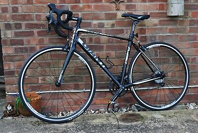 Giant Defy 3 road bike, used (very little) and in excellent condition