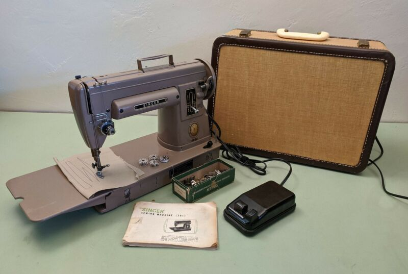 """Singer 301A Slant Needle """"Featherweight"""" Sewing Machine for Quilters - aluminum"""