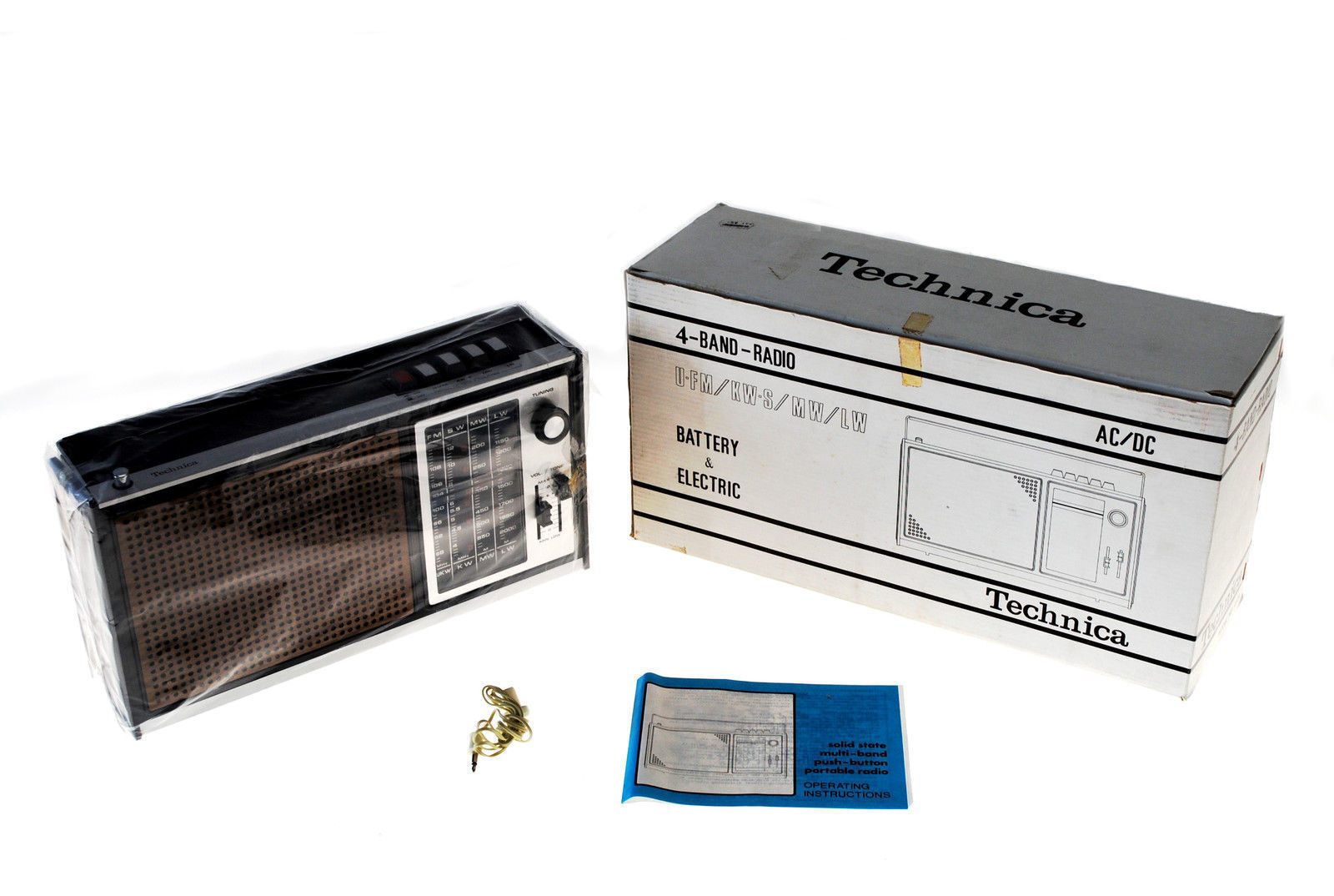 TECHNICA 412K Transistorradio 4-Band-Radiogerät Weltempfänger unbenutzt!!